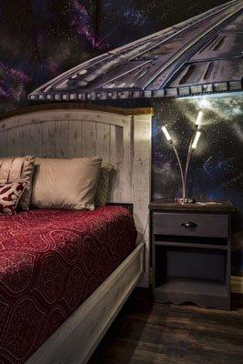 Area 51 room photo 2a